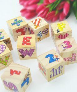 Cuburi din lemn pentru bebelusi:Litere si cifre