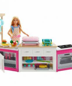 Papusa Barbie si bucatarie