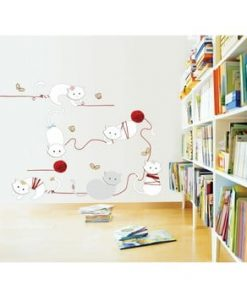 Autocolant Ambiance Cats and balls, 30 cm