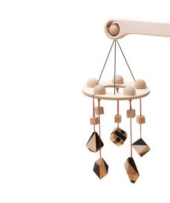 Carusel patut bebelusi Mobile, cu 5 jucarii natur-negru corpuri geometrice, lemn, Mobbli