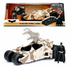 Batmobilul cu figurina si camuflaj