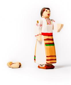 Figurina din lemn taranca