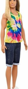 Papusa Barbie baiat fashionistas cu maieu multicolor