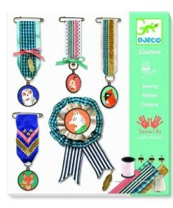 Atelier de confectionat medalii - Set creativitate si indemanare Djeco