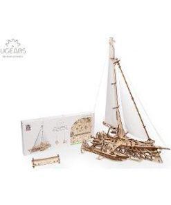 Trimaran Merihobus. Barca Trimaran